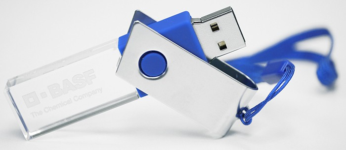 CLE USB ROTATIVE LED EN VERRE ET ACIER